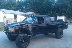 Putting it together.  f250 ford style baja prerunner