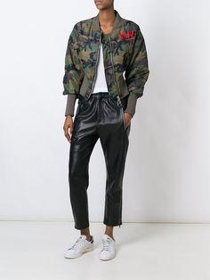 ¡Cómpralo ya!. Gcds Camouflage Bomber Jacket. Dark green camouflage bomber jacket from gcds. , chaquetabomber, elbowdiamond, baseball. Chaqueta bomber  de mujer color verde de GCDS.