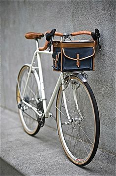 Scene 1 & 2: Vintage bike