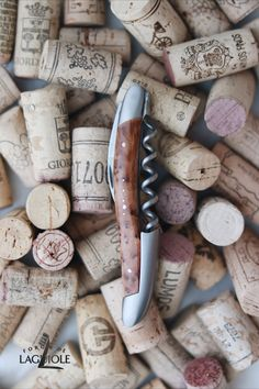 Our original Forge de Laguiole® Sommelier knife with a thuya wood handle and satin finish. Our authentic Sommelier knife was produced in collaboration with professional Sommeliers and thus gives it its ergonomics, elegance and efficiency.   #wine #sommelier #sommelierknife #winelovers #finewine #giftideas #giftsformen #redwine #whitewine #laguiole #laguioleknife #knife #waiter #waiterknife #forgedelaguiole #handmade #madeinfrance #worldcuisine #drinks #frenchwine #thuyawood #thuya