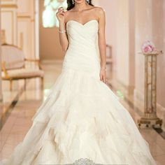 http://www.ckdress.com/sweetheart-ruched-bodice-pleated-wedding-dresses-with-corset-back-p-553.html