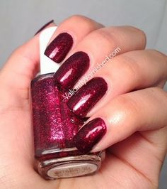 Valiantly Varnished: Swatch Week: Essie Toggle To the Top