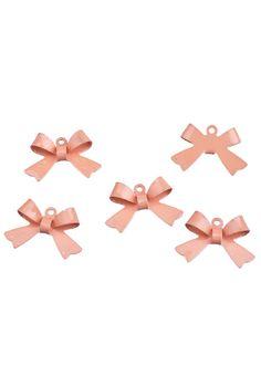 Metalen hanger/bedel strikje ± 14x21mm oogje ± 1mm roze   Bedeltjes Emaille - Epoxy   `t Kralenstulpje   Sieraden maken   Verkoop kralen   organza kadozakjes   prijslabels