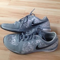 Nike WOMENS Running shoes (SIZE 7) Bought it for my Girlfriend at the Nike factory. At first she likes it and secondly she dislike. Worn once to the gym and never worn again. Such a waste since it only a couple days old. Come with replacement box since my girlfriend had use the prior box to ship something out. Condition is 9.5/10! Nike Shoes Sneakers