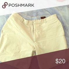 "Size 34..... 6"" inch inseam khaki shorts new Never worn size 34 khaki shorts Banana Republic Shorts Flat Front"