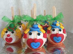 Clowns chocolate decorated apples!!! www.sweettreatusa.com