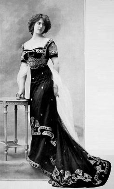 Edwardian Fashion - 1909