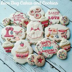 Learn a new skill in the New Year! Take a cookie decorating class with me! Registration link in the comments!