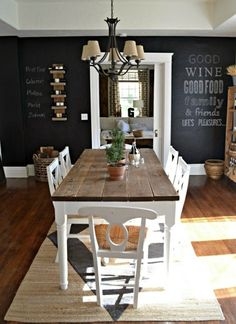 I NEED a chalkboard wall somewhere! our vintage home love: Chalkboard Wall - black white and natural dining room farmhouse table Farmhouse Dining Room, Dining Room Design, Vintage House, Dining Table, Home Decor, House Interior, Dining Room Decor, Rustic Dining Table, Vintage Dining Room