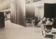velvet-silk-cafe-mies-reich-03 Ludwig Mies Van Der Rohe, International Style, Space Architecture, Furniture Design, Art Deco, Design Inspiration, Velvet, Interior Design, Modern