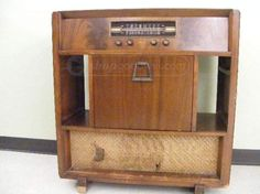 Vtg Philco Record Player with BC/FM Radio Console