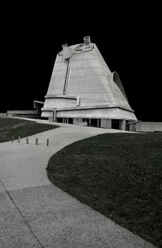 Le Corbusier | Church of St. Pierre