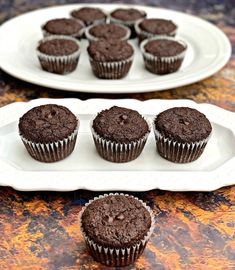 Keto Low-Carb Double Chocolate Chip Muffins (Gluten-Free) Easy and Indulging Healthy Recipes Easy Desserts For Kids, Kid Desserts, Keto Dessert Easy, Sugar Free Desserts, Double Chocolate Chip Muffins, Sugar Free Chocolate Chips, Keto Chocolate Chips, Chocolate Desserts, Almond Flour Recipes