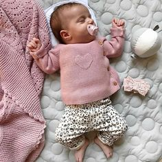Shop Gap for Casual Women's, Men's, Maternity, Baby & Kids Clothes – Cute Adorable Baby Outfits So Cute Baby, Cute Baby Clothes, Cute Kids, Cute Babies, Funny Babies, Baby Outfits, Baby Girl Fashion, Kids Fashion, Fashion Fashion