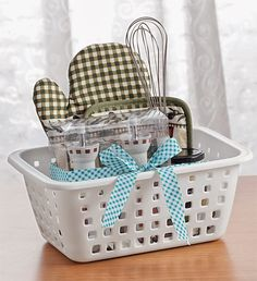 You can also use the basket and add detergent and washing materials. Creative Gift Baskets, Wine Gift Baskets, Creative Gifts, Cool Gifts, Homemade Gift Baskets, Homemade Gifts, Christmas Gift Baskets, Homemade Christmas Gifts, Housewarming Gift Ideas First Home