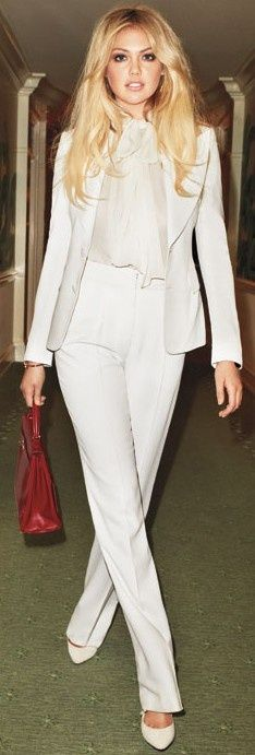 White pant suit - WORKING WOMAN | SUMMER | FASHION  | M E G H A N ♠ M A C K E N Z I E