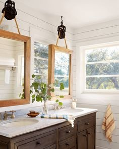 We didn't know #MirrorGoals was a thing until we stepped inside this bathroom (: @davidtsay) #homedecor #farmhousestyle