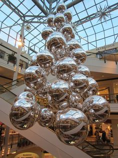 Acme installs holiday decorations at Portland's local, Clackamas Town Center and Pioneer Place Mall.