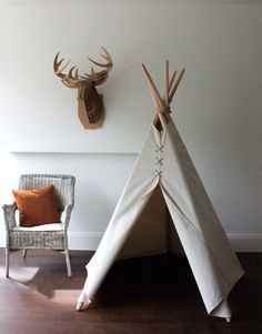 Indian tipi for nursery room decor Diy Kids Teepee, Spring Carnival, Nursery Room Decor, Nook, Cozy Place, Play Houses, Diy For Kids, Kids Playing, Etsy