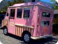 retro pink ice cream truck~the perfect truck for friendly ice cream deliveries! Go Pink, Pink Purple, Pink Wheels, Ice Cream Van, I Believe In Pink, Ice Princess, Pink Houses, Pink Room, Everything Pink