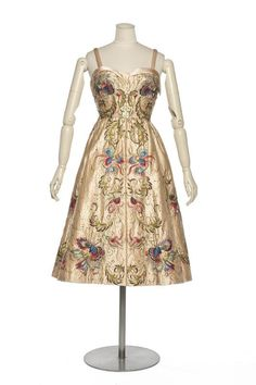 robe du soir Flûte enchantée, Christian Dior, automne-hiver 1951, Les Arts Décoratifs
