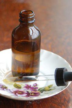 Make Your Own Vitamin C Anti Aging Serum