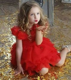 Little Girl Photos, Cute Baby Girl Pictures, Cute Little Girls, Baby Photos, Beautiful Girl Image, Beautiful Children, Beautiful Babies, Little Girl Photography, Cute Kids Photography