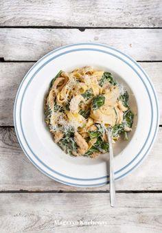 Zobacz zdjęcie Tagliatelle z kurczakiem i szpinakiem, przepis po kliknięciu w zdjęcie. w pełnej rozdzielczości