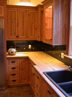 100 year old, reclaimed heartpine lumber milled and made into cabinets, with heartpine flooring glued up and fabricated into counter tops. Pine Kitchen, Kitchen Art, Kitchen Tiles, Country Kitchen, Kitchen Cabinets, Natural Cabinets, Alder Cabinets, Art Cabinet, New Kitchen Designs