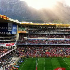 Newlands, Cape Town, South Africa, one of the most famous rugby grounds in the world. Cape Town Accommodation, Amazing Grass, Xhosa, Beaches In The World, Places Of Interest, My Land, Rest Of The World, Homeland, Fun Games