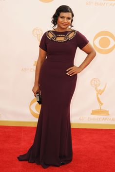 Mindy Kaling in puce at the 2013 Emmy Awards