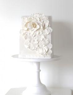 Exquisite All White Wedding Cakes