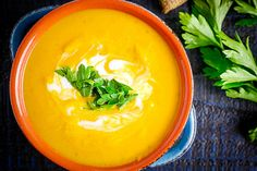 Turmeric Sweet Potato Soup is a bright an delicious combination of sweet potato and fresh turmeric. Low Carb Sweet Potato, Sweet Potato And Apple, Sweet Potato Soup, Paleo Whole 30, Whole 30 Recipes, Low Carb Recipes, Healthy Recipes, Healthy Foods, Fresh Turmeric