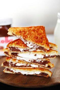 Nutella-Marshmallow-Sandwich in nur 5 MINUTEN!