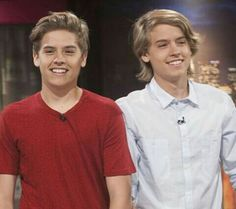 sprouse boys Dylan Sprouse, Sprouse Bros, Suit Life On Deck, Cody Martin, Birthday Smiley, Zack Y Cody, Old Disney Channel, Cole Spouse, Cole Sprouse Jughead