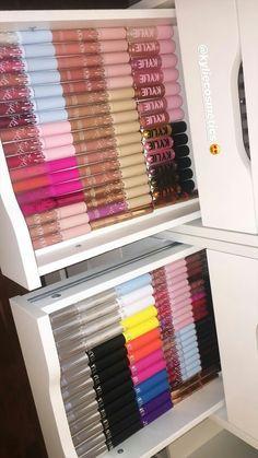 makeup collection Kylie Cosmetics by Kylie Jenner Makeup Drawer, Makeup Storage, Makeup Organization, Makeup Collection Storage, Storage Organization, Storage Ideas, Make Up Palette, Grey Palette, Kylie Makeup
