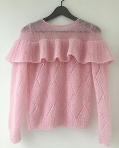 The knit sweatshirt - Stricken 2020 Knitwear Fashion, Knit Fashion, Fashion Models, Mohair Sweater, Pink Sweater, Mode Crochet, Knit Crochet, Summer Knitting, Baby Knitting