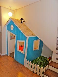Under Stairs Playhouse, Kids Indoor Playhouse, Build A Playhouse, Room Ideas Bedroom, Home Decor Bedroom, Kindergarten Interior, Kindergarten Design, Diy Playground, Dog Rooms