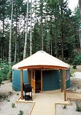 Beverly beach state park yurt interior of a deluxe yurt for Oregon state parks yurts and cabins