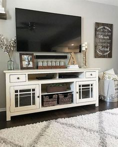 Home decor can become a bit complicated when you live in a house full of people! You may like farmhouse decor and your husband may like minimalist modern style. Your teenagers may like bohemian decor…MoreMore #LivingRoomRemodeling