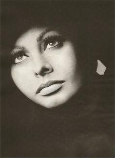 Sophia Loren, Harper's Bazaar, July 1959 - Google Search
