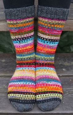 Uses the Modicum Mitts pattern as inspiration. A Great way to use up odds and ends of sock yarn. Use a basic sock pattern (free in the shop!) and stripe away. Love the grey cuff and toes by sharlene Crochet Socks, Knit Or Crochet, Knitting Socks, Hand Knitting, Knit Socks, Knitted Socks Free Pattern, Ravelry Crochet, Patterned Socks, Colorful Socks