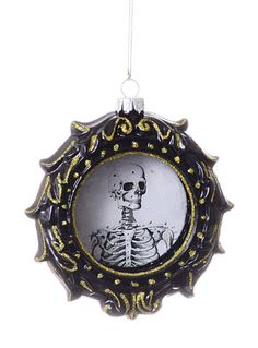 Skull Cameo Glass Ornament at PLASTICLAND
