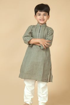 Bhagalpur Cotton kurta churidar embellished with dhori work. Item number KB15-15