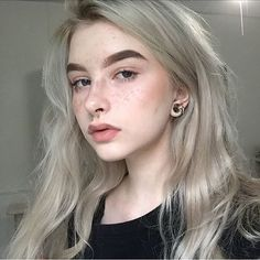 WEBSTA @ pluvianplant - back 2 the norm mE ! ty so much for i can't believe people don't mind my random rants and awkward captions ! Dye My Hair, Your Hair, Aesthetic Girl, Hair Inspo, Hair Looks, Pretty Hairstyles, Pretty People, Makeup Looks, Hair Makeup