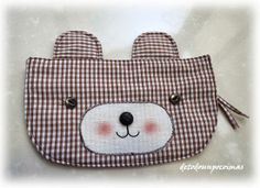 Bear Pouch Sewing Crafts, Sewing Projects, Diy Clutch, Animal Bag, Inspiration For Kids, Fabric Bags, Crochet Purses, Diy Projects To Try, Handmade Bags