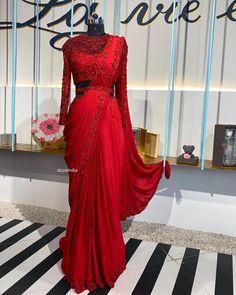 Stylish Blouse Design, Stylish Dress Designs, Fancy Sarees Party Wear, Saree Gown, Organza Saree, Saree Blouse, Dress Design Sketches, Indian Fashion Trends, Sari Blouse Designs