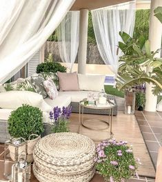 This patio furniture redo is a very inspirational and fantastic idea Outdoor Seating, Outdoor Rooms, Outdoor Living, Outdoor Decor, Backyard Patio Designs, Patio Ideas, Backyard Ideas, Patio Furniture Sets, Furniture Redo
