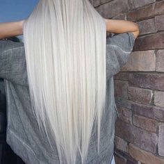 White Blonde Hairstyles That Look Like The Queen Of The Dragons - Frisuren Hair Grey Brown Hair, White Blonde Hair, Platinum Blonde Hair, Gray Hair, Ash Grey, Icy Blonde, Long White Hair, Blonde Straight Hair, Blonde Shades