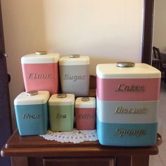 Nally Canisters and Cake Stack Vintage Kitchen Curtains, Vintage Kitchen Decor, Retro Home Decor, Vintage Canister Sets, Kitchen Canister Sets, Vintage Bread Boxes, Vintage Dishes, Art Deco Kitchen, Kitchen Ideas